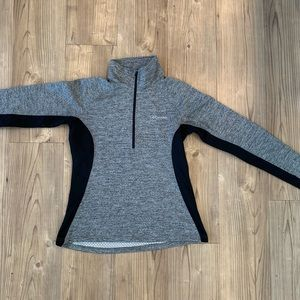 Columbia Half Zip Size Medium